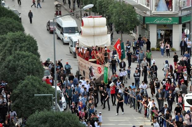 Fatih'in gemisini karadan yürüttüler