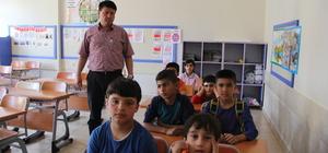 Sığınmacı anneler ile çocukları Türkçe öğreniyor