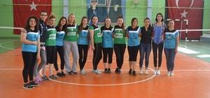 Beylikova Belediyesi Bayan Voleybol Turnuvasında Matrak Kızlar şampiyon oldu