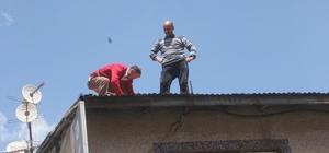 Tehlikeli çatı tamiratı