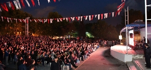 Başkan Kılıç, Fenerbahçe Erkek Basketbol Takımı'nın şampiyonluğunu taraftarlarla kutladı