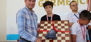 Germencik Belediyesi satranç turnuvasına ev sahipliği yaptı