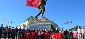 AFDOS üyeleri Büyük Taarruz Şehitliği'ne yürüdü