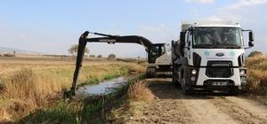 Manisa derelerinden 240 bin ton çöp çıkarıldı