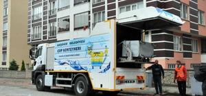 Akşehir Belediyesinden çöp konteyneri yıkama ve dezenfekte aracı
