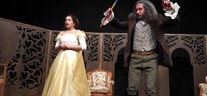 Develi'de tiyatro gösterisi yapıldı