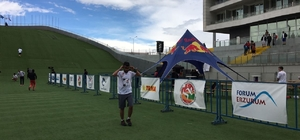 Forum Erzurum sponsorluğunda düzenlenen Red Bull 400 yarışları nefes kesti