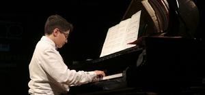 Piyano kursiyerlerinden yıl sonu konseri
