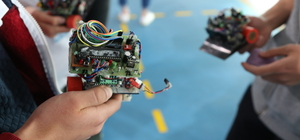 Bursa'da robotlar yarışıyor