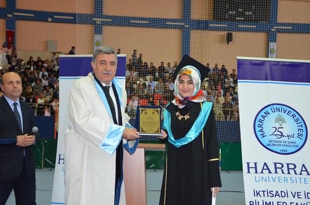 İktisat Fakültesinde mezuniyet heyecanı