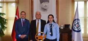 Büyükşehir'in Başarılı Kadın Şoförü Ayın Kaptan Şoförü Seçildi