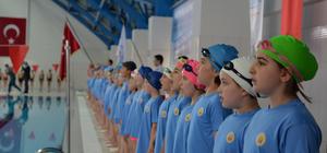 """""""Öğrenciler yüzme öğrenerek ortaokula başlayacak"""" projesi"""