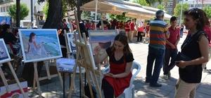 Ortaca'da öğretmen ve öğrencilerden canlı performans resim çalışması