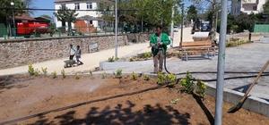 İzmit'te yeşil alanlar ilaçlanıyor