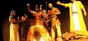 Diriliş Muştusu, Erzurum'da sahnelendi