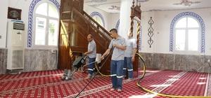 Ramazan öncesi Akdeniz'deki camilerde temizlik