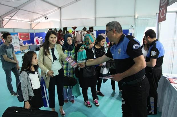 Toplum Destekli Polislik Şube Müdürlüğünden bilinçlendirme standı