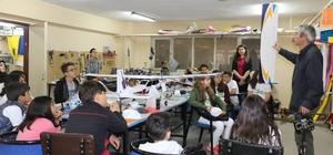 Model uçaklar minik öğrencilere anlatıldı