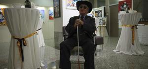 Başkentte görme engelli ressam sergi açtı