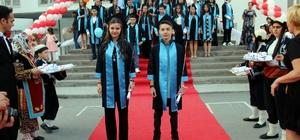 Erbosan Ortaokulu'nda mezuniyet sevinci