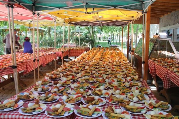 Zeytinburnu Belediyesi Bilgi Evleri'nde geleneksel piknik coşkusu