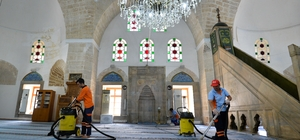Muratpaşa'nın camileri Ramazan'a hazır