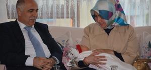 Vali Karahan şehit ailesini ziyaret etti