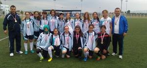 Kız futbol takımından büyük başarı