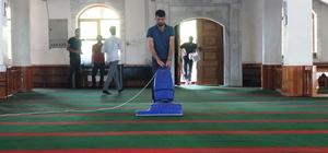 Terörün zarar verdiği camiler ramazana hazır