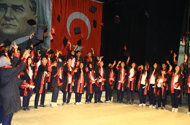 Hakkari'de mezuniyet töreni