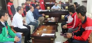 Şampiyonlar Başkan Kılıç'ı ziyaret etti