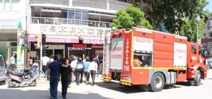 Restoranda çıkan yangın paniğe neden oldu