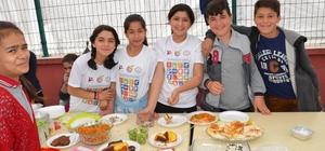 Hanönü'nde yatılı okuyan öğrenciler yararına kermes düzenlendi