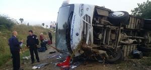 Balıkesir'de midibüs devrildi: 17 yaralı