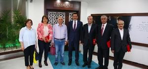 Başkan Ak'tan emekli personele teşekkür plaketi