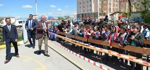 Başkan Korkut, öğrencilere kitap hediye etti