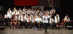 Başak Kolejinden 'Gelenekselden Evrensele B-brass' konseri