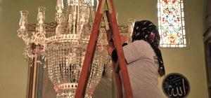 Tepebaşı'nda camiler temizleniyor