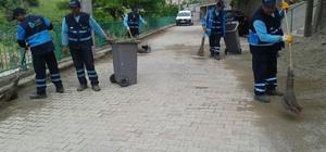 İzmit'te temizlik çalışmaları sürüyor
