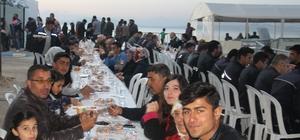 Van Gölü kıyısında ilk iftar