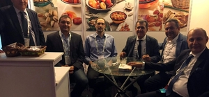 Ege kabuklu ve kuru meyveler sektörü uluslararası kongreye katıldı