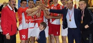 Karaman'da düzenlenen kurumlar arası voleybol turnuvası sona erdi