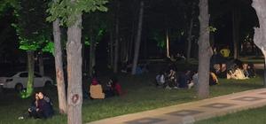 Parklar Ramazanda dolup taşıyor