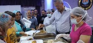 Başkan Tarhan Ramazan ayının ilk iftarında vatandaşlarla buluştu