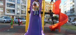 Alaşehir'in parklarına yeni nesil oyun grubu