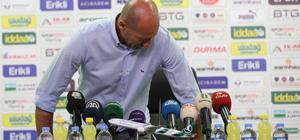 Bursaspor Teknik Direktörü Adnan Örnek, Spor Toto Süper Lig'in 33. haftasında Gençlerbirliği'ne 2-1 yenildikleri müsabakadan sonra görevinden istifa ettiğini açıkladı.