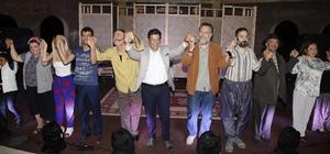 Döşemealtı'nda önce iftar sonra tiyatro gösterisi