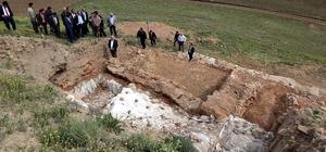 """Vali Yurtnaç, """"Toprak altında kalan tarihi değerleri turizme kazandıracağız"""""""