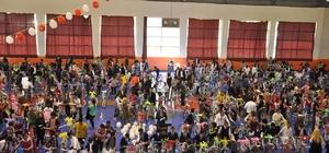 Bulanık'ta 500 çocuğa bisiklet dağıtıldı