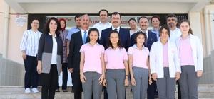 Erdem, TÜBİTAK yarışmasında üçüncü olan okulları ziyaret etti